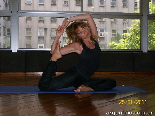 Clases De Hatha Yoga  076b780f3946