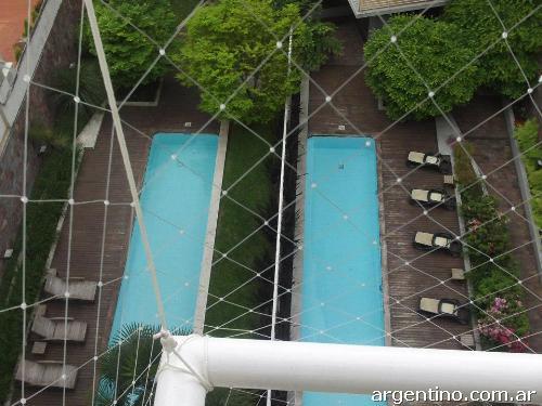 Protec red de seguridad de balcones en nu ez tel fono for Ahuyentar palomas del balcon