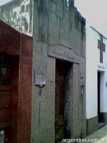 B veda en cementerio z rate tel fono for Cementerio jardin de paz buenos aires