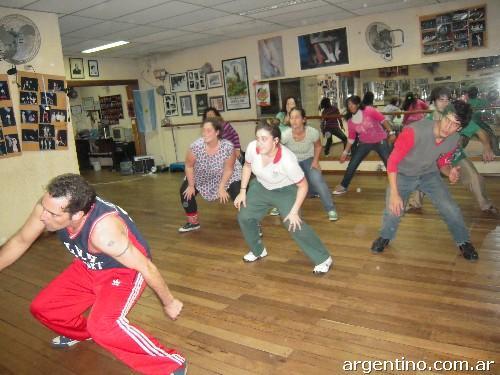 Clases de Hip Hop y Baile Moderno en Barcelona Así
