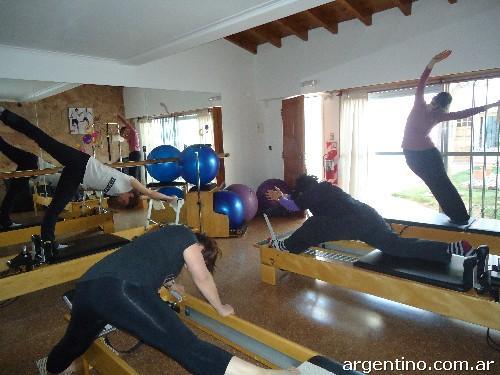 Fotos de gimnasio qi fitness entrenamiento funcional y for Entrenamiento gimnasio