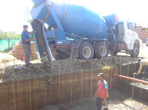 Construcci n de piletas de nataci n y yacuzzi en villa for Construccion de piletas