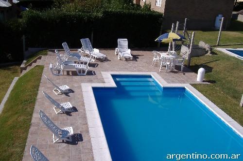 Fotos de summer piscinas construcci n de piletas de material en villa mar a - Material para piscinas ...