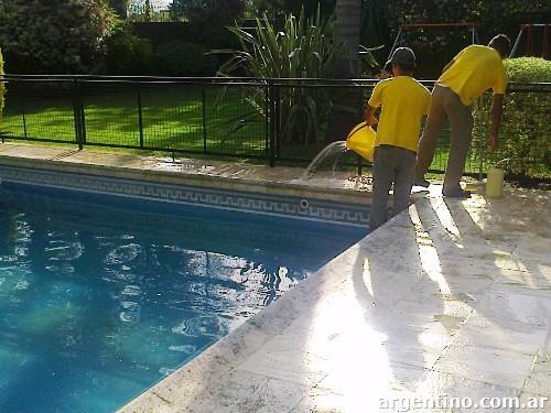 Limpieza de piscinas parque sud cemento venecitas for Limpieza de piscinas