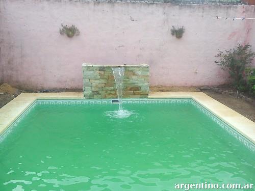 Piscinas de nataci n en moreno for Piscina de natacion