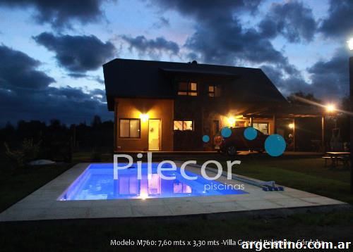 Fotos de f brica de piscinas de pl stico reforzado con for Fabrica de piscinas de fibra de vidrio